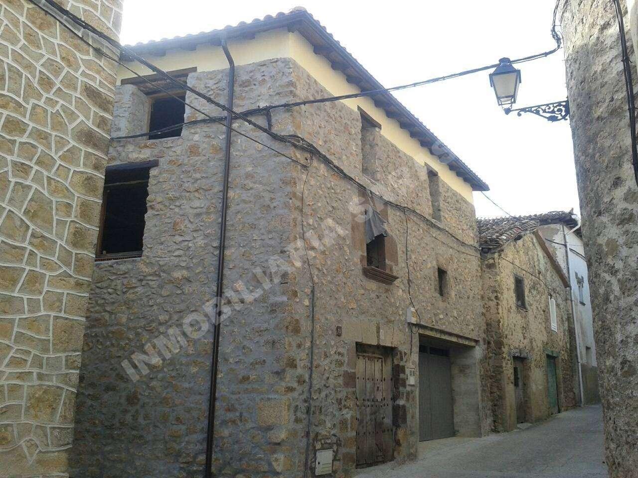 VENTA DE CASA EN CALLE MAYOR, ZúñIGA | REF. (001812)