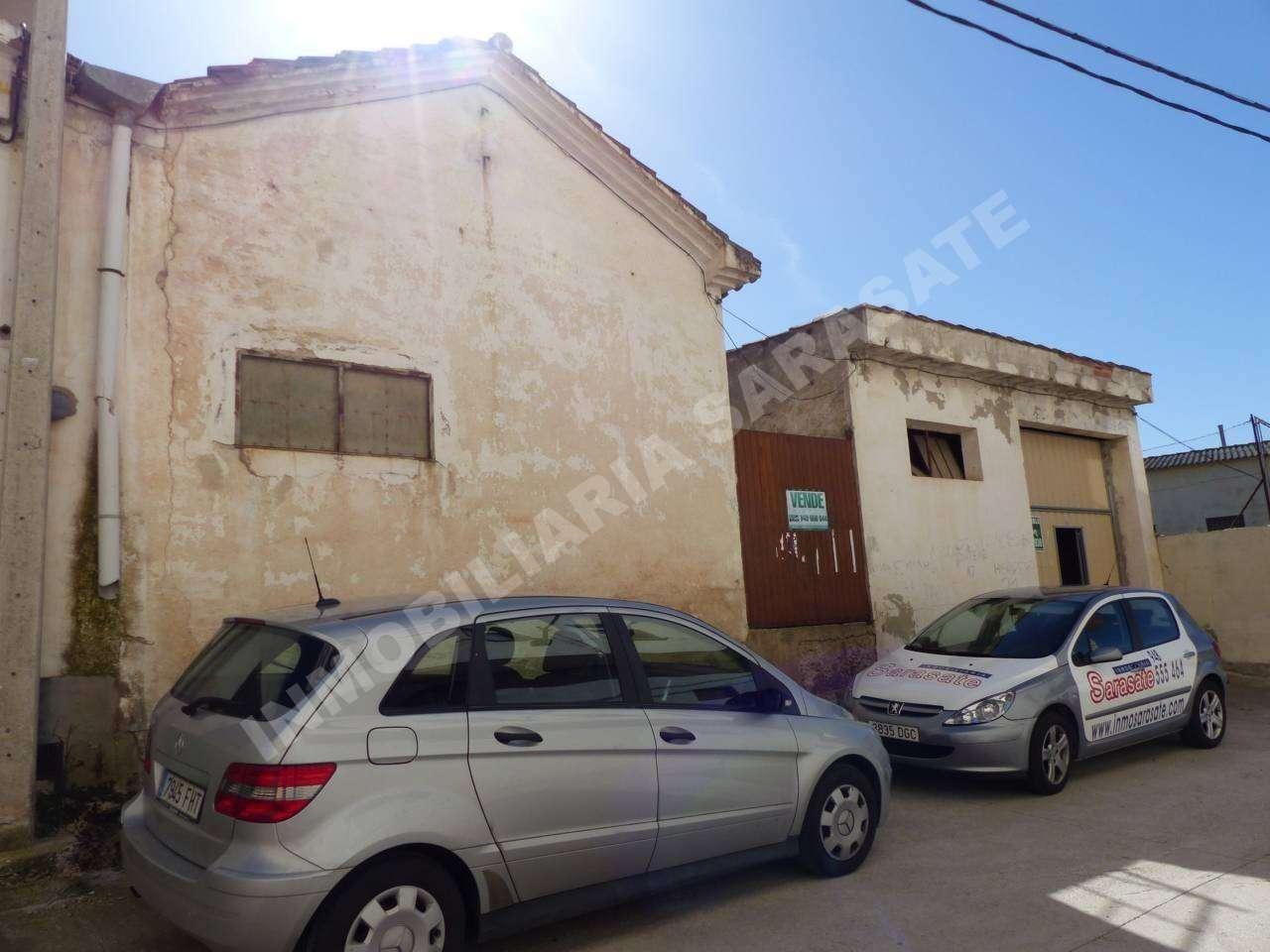 VENTA DE NAVE INDUSTRIAL EN , LOS ARCOS | REF. (003306)