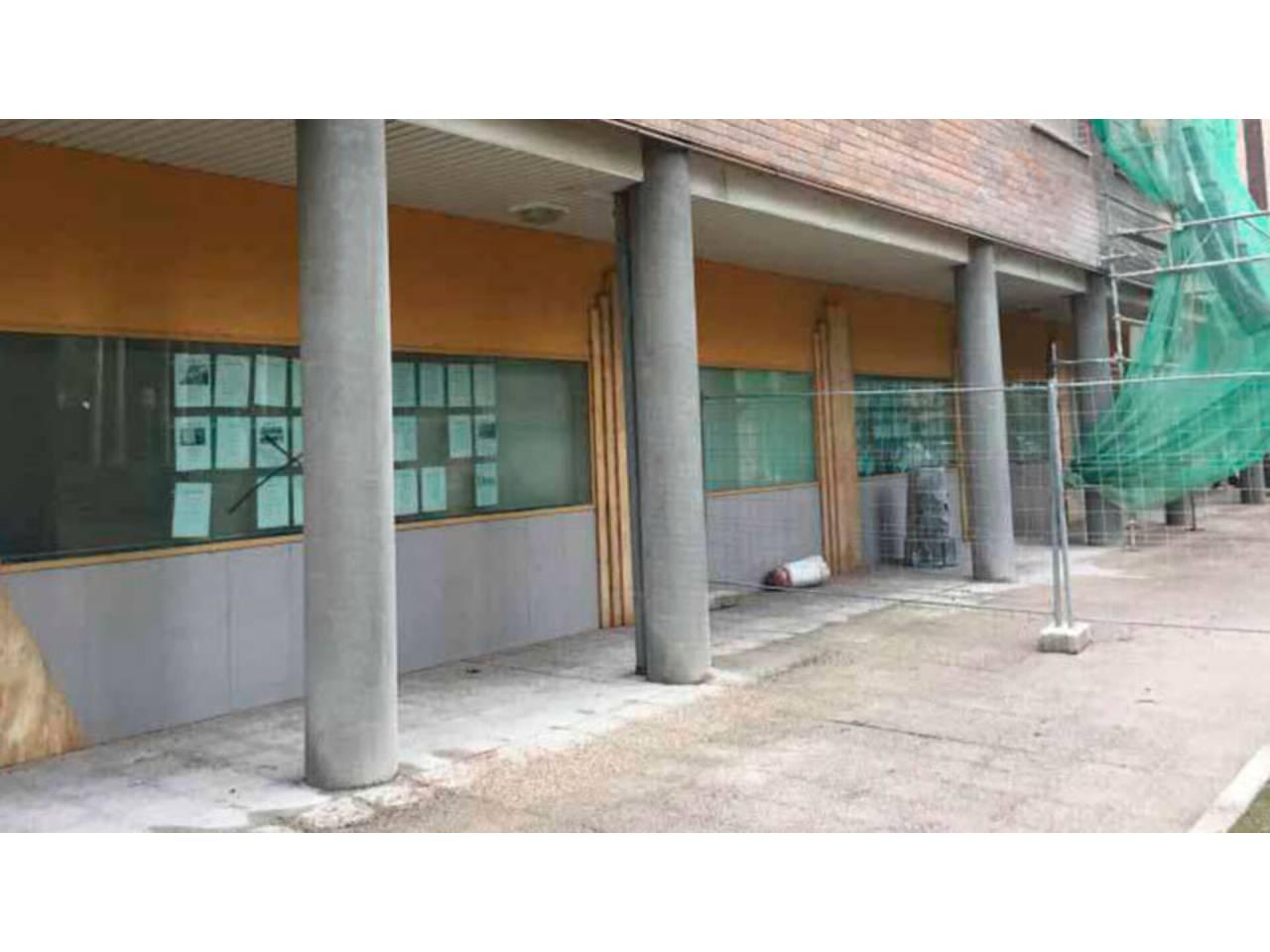 VENTA DE LOCAL EN ERMITAGAñA-MENDEBALDEA-ETXABAKOITZ, PAMPLONA – IRUñA | REF. (004383)