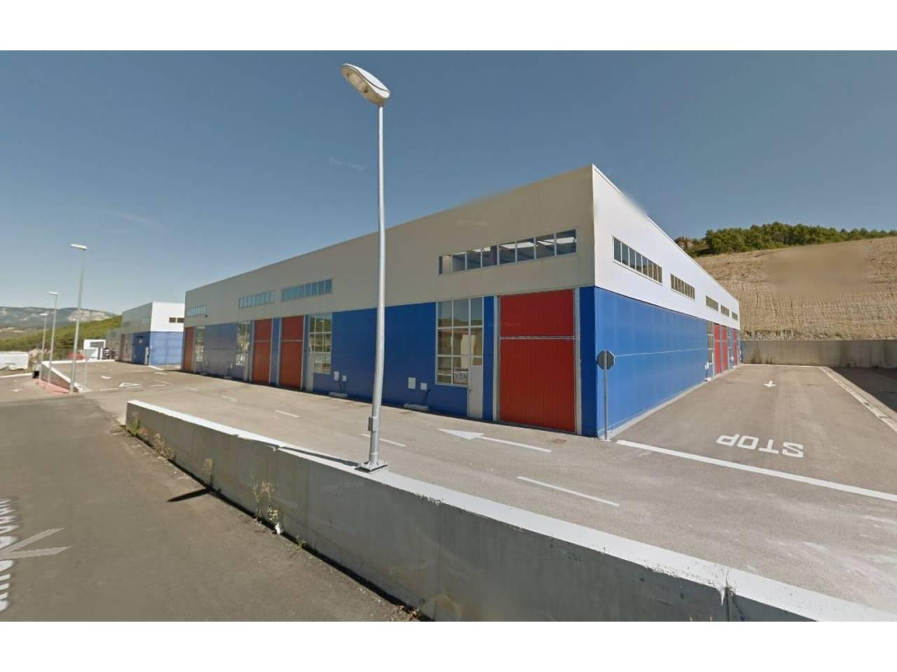 VENTA DE NAVE COMERCIAL EN ESTELLA-LIZARRA, ESTELLA-LIZARRA | REF. (004398)